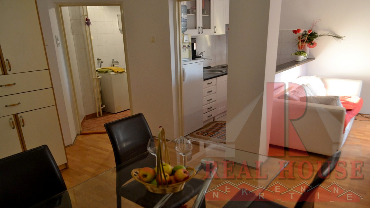jednoiposoban apartman u novom sadu kod sajma 1