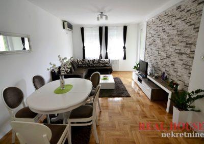 apartman black and white